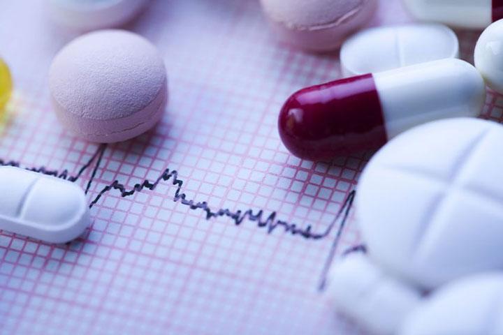 การรักษาโรคหลอดเลือดหัวใจด้วยการใช้ยา