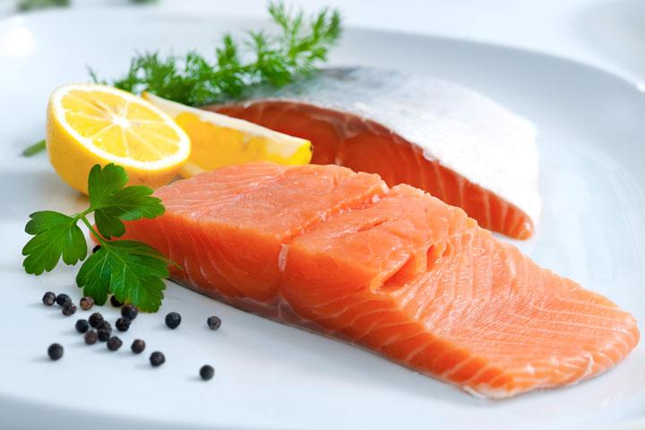รับประทานแซลมอน-และอาหารที่มีสารต้านอนุมูลอิสระ