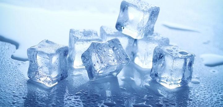 ก้อนน้ำแข็ง